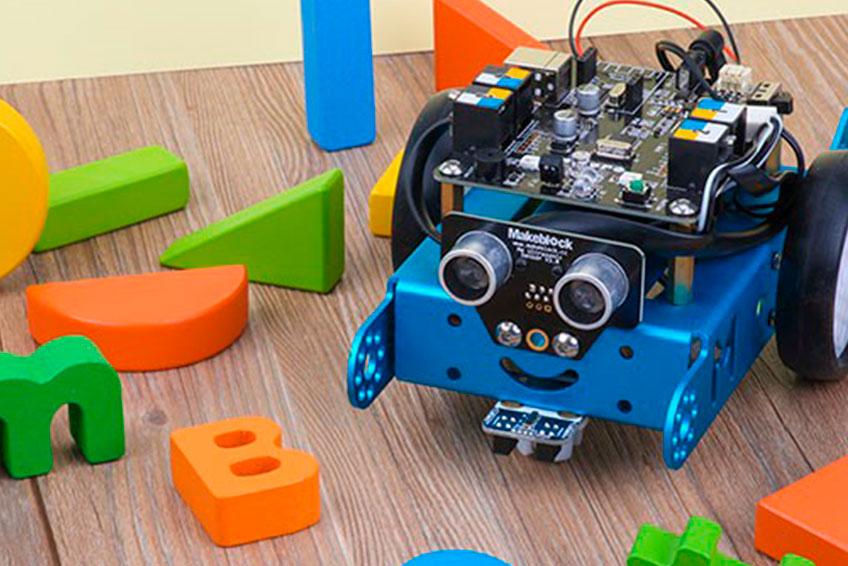 Pensamiento Computacional en el aula con Scratch, Neuron y mBot